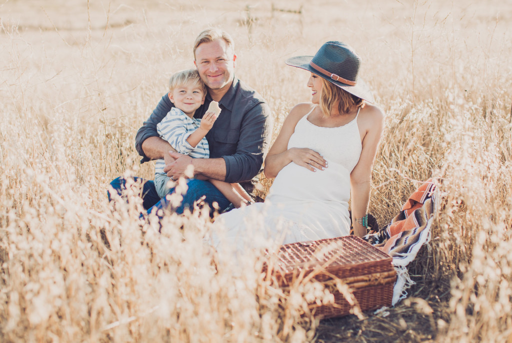 Maternity Moments: Ostara Photography