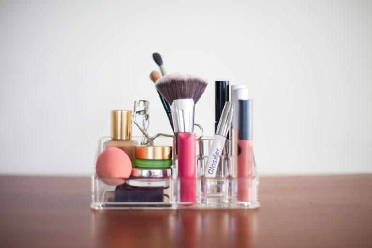 Microblading + Minimal Make Up