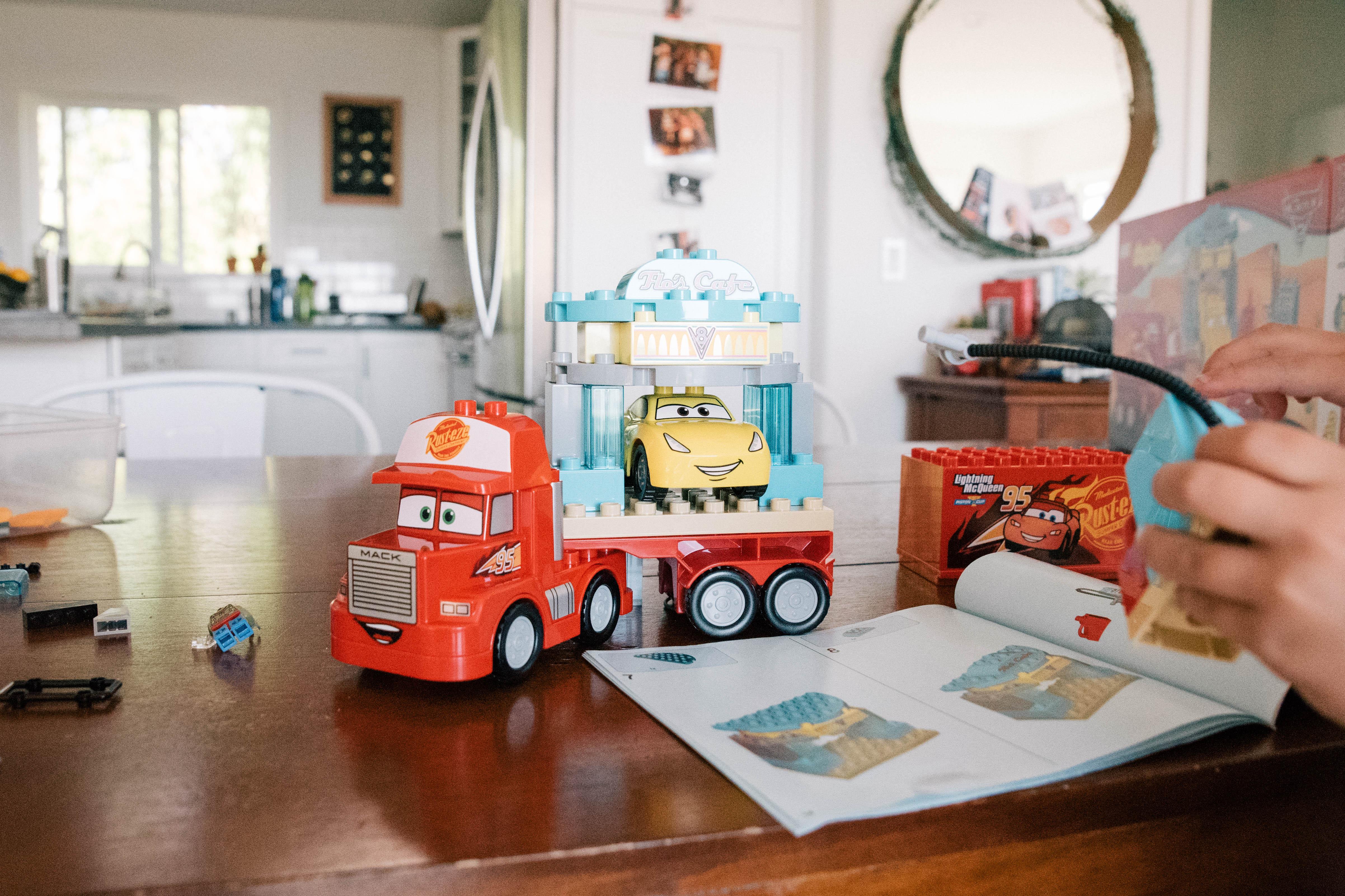 5 Reasons LEGO Shakes Up Imagination!
